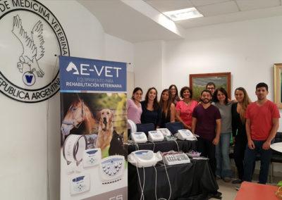 Curso intensivo junto a la Dra. Sterin en la Sociedad de Medicina Veterinaria de la República Argentina